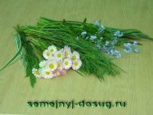 Подберите маленькие цветы для букета