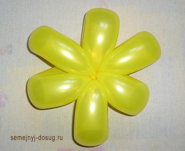 Как сделать цветок из шарика-видео