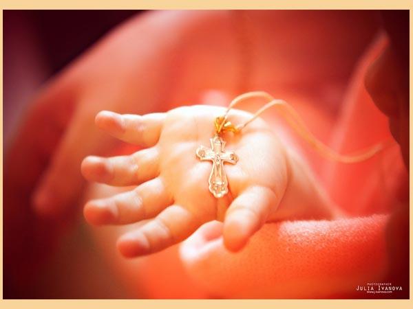 Что дарят на крестины